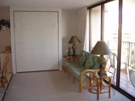 Sweetwater at Waikiki  - Living area/Deck