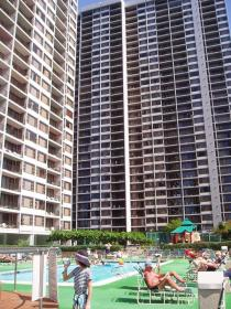 Sweetwater at Waikiki - Front View
