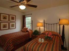 Eagle Point - Second Bedroom with Twin Beds
