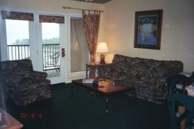 Branson Yacht Club - Unit Living Area